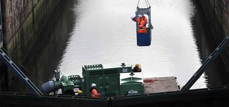 Maas-Waalkanaal tegen weekend weer bevaarbaar