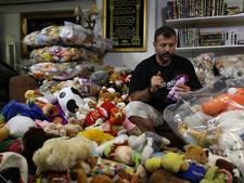 'Syrische Sinterklaas' riskeert leven met speelgoedsmokkel