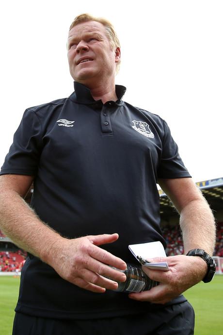 Koeman wint met Everton ruim van Barnsley