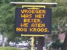 Ludieke teksten tegen voeren eenden in Rotterdam-Noord
