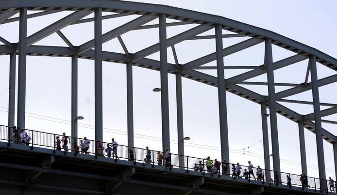 De Bridge to Bridgeloop op archiefbeeld.