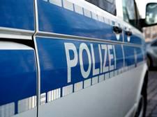 Verwarde man verwondt vier wandelaars in park Bremen