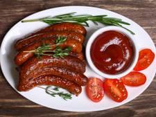 Voedselwaakhond: 7 suikerklontjes in saus op barbecueworst
