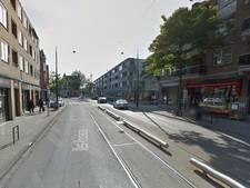 Voetganger vliegt door winkelruit nadat tram op auto botst
