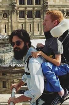 Kevan backpackt op rug vrienden door Europa