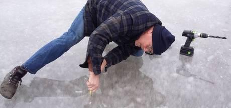 IJs van schaatsbaan Dodewaard centimeter te dun