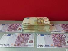 Man (28) aangehouden voor witwassen 17.000 euro