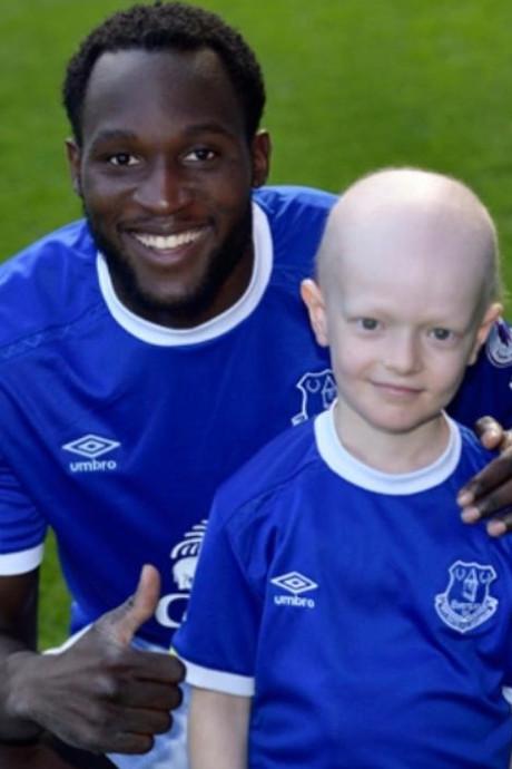 Koemans Everton geeft zieke Thomas (8) de dag van zijn leven