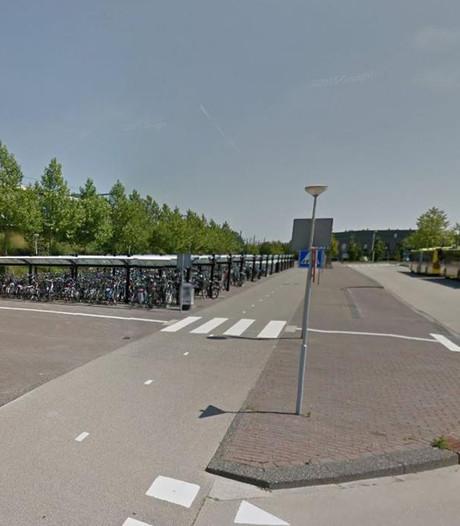 Jongens overvallen bus bij station Vleuten
