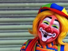 Amerikaanse clowns proberen kinderen bos in te lokken