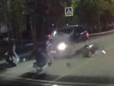 Tieners vliegen door lucht bij heftige aanrijding in Rusland