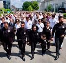Mawda sereen begraven: 1.500 mensen stapten mee in witte mars