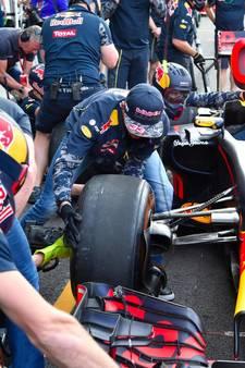 Max Verstappen regelt zijn eigen pitstop bij Red Bull
