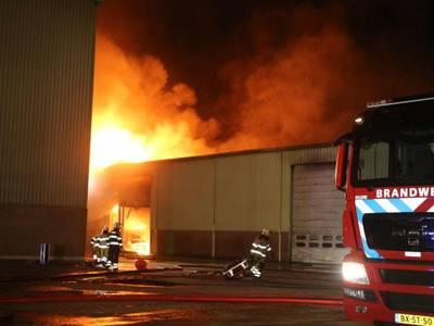 Grote brand op scheepswerf Aalst