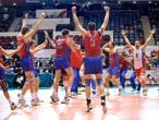 Volleyballer (40) draagt Russische vlag in Rio
