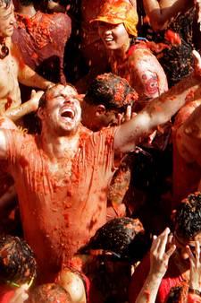 Bunol kleurt rood vanwege jaarlijks Tomatina-festival