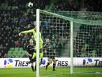 Vitesse slaat aanval van FC Groningen af