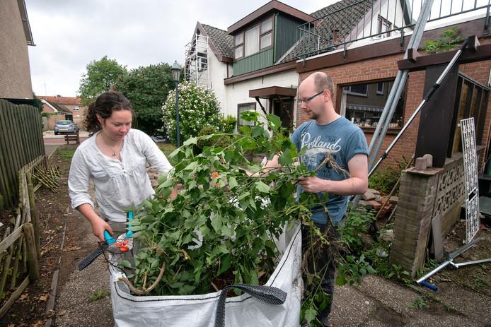 Corbin Braam en Elise gebruiken de green bag.