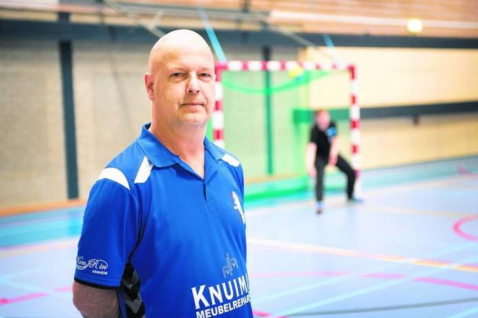 HV Huissen-coach Fred Wieland. foto Bert Beelen