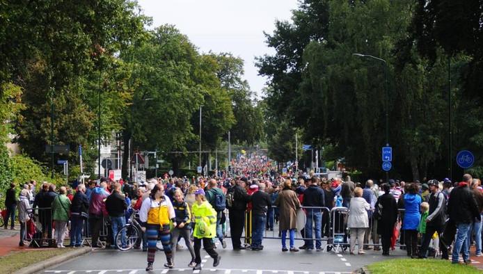 De Airbornewandeltocht door Oosterbeek.