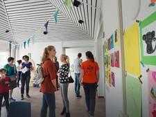 Duizenden bezoekers nemen kijkje bij asielzoekerscentra