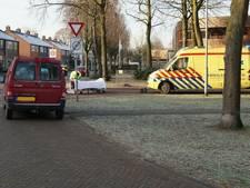 Fietsster gewond bij aanrijding met auto in Aalten