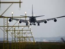 Marechaussee pakt beschonken piloot Schiphol op