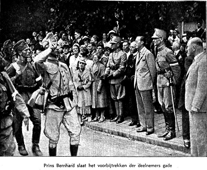 Prins Bernhard langs de kant in Wijchen.