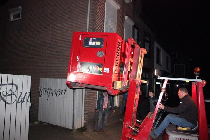 Bij zaalcentrum De Buitenpoort wordt een aggregaat geplaatst.