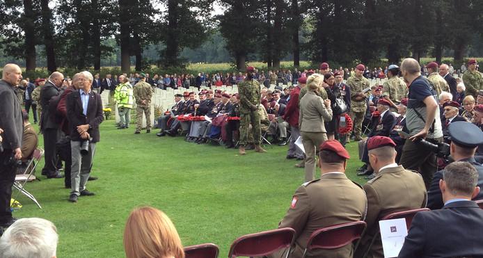 Vele duizenden mensen kwamen naar de herdenking.