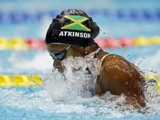 Atkinson zwemt wereldrecord schoolslag