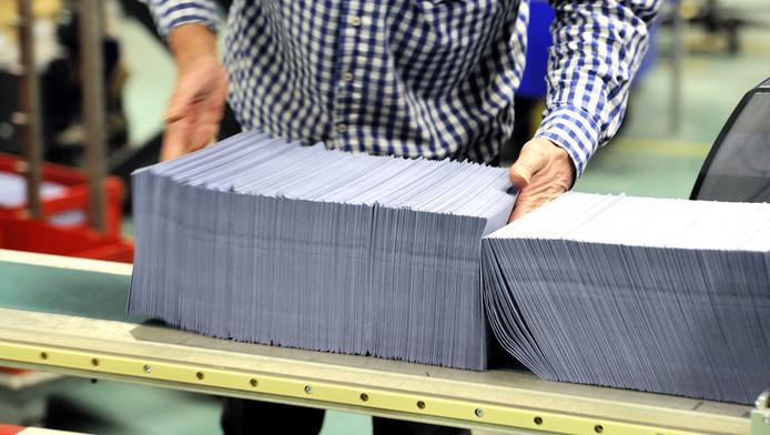 Belastingenveloppen bij de Belastingdienst in Apeldoorn. © ANP