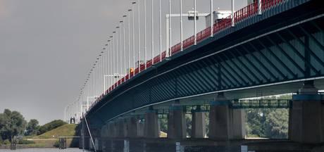 Haringvlietbrug gaat nacht dicht voor veiligheidstest