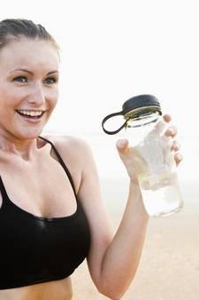 Je waterflesje bijvullen is viezer dan likken aan wc-bril
