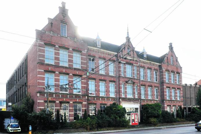 Het voormalige Mozaïek College aan de Boulevard Heuvelink in Arnhem,. Foto DG
