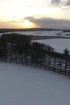 Prachtig: het besneeuwde Liemerse landschap vanuit de lucht