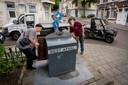 In Klarendal wordt veel vuilnis naast de containers gezet. Een groep Klarendallers is dat beu en gaat het zelf opruimen en naar Suez brengen.