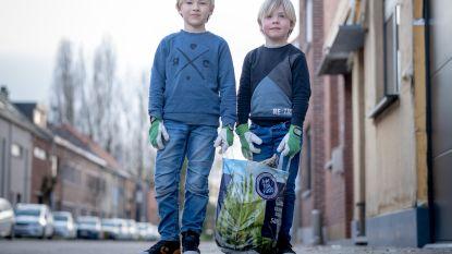 "Ramses (6) en Matis (7) boos over zwerfvuil in hun straat. ""Net opgeruimd en alweer sigarettenpakjes!"""