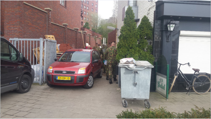 Inval in pand aan de Brinkstraat in Enschede op 4 april