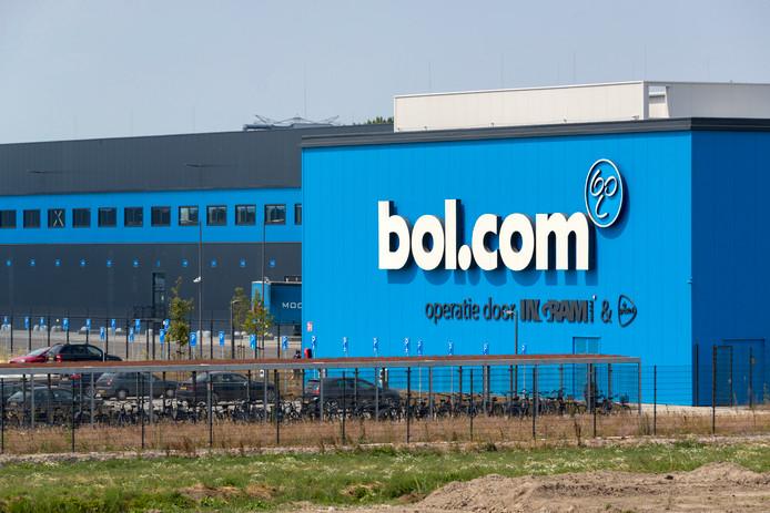 Een distributiecentrum van Bol.com.