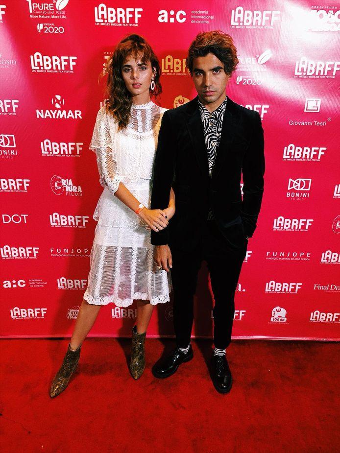 Famke van Hagen met haar man, de Braziliaanse regisseur Gabriel Novis op de rode loper van het filmfestival.