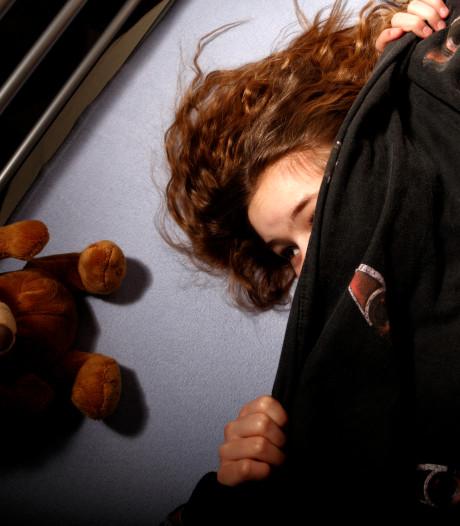 Leerlingen gaan op school slapen omdat het ov staakt