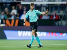 Joey Kooij fluit FC Utrecht - Willem II