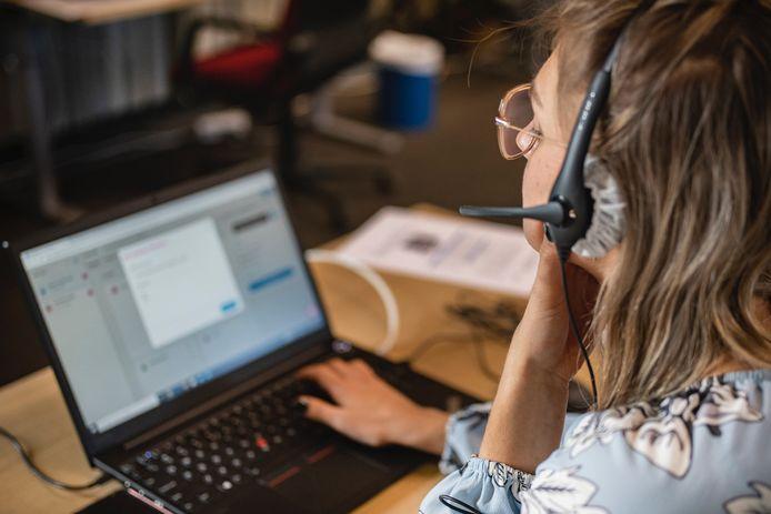 Als het nodig is nemen (huis)artsen, co-assistenten of verpleegkundigen binnen 24 uur telefonisch contact op.