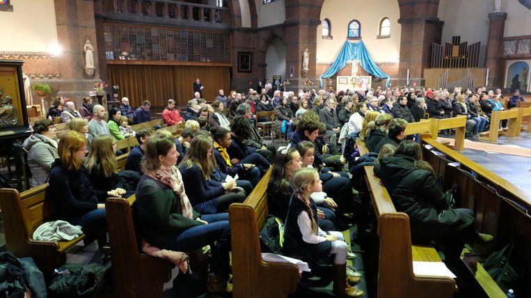Enkele leerlingen van Sint-Rumoldus woonden ook de viering bij.