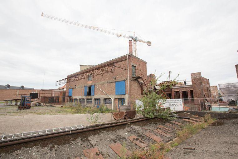 Het is duidelijk: het gebouw is dringend aan restauratie toe.