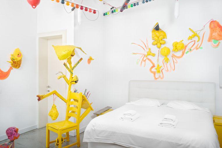 Kamer van David Bade in het Druum-hotel in Brussel. Beeld null