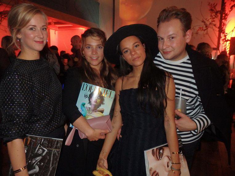 Steffie de Kort (Rosefield), Emma Waslander (Museumnacht), actrice Chloë Leenheer en Alex Bisschop (Spice PR). 'Maar ja, we zien er ook belachelijk goed uit' Beeld Hans van der Beek