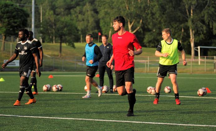 Emilj Astamirov, nieuw bij DUNO, tijdens de training.