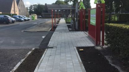 Wandelpad tussen sporthal en gemeenteschool is klaar